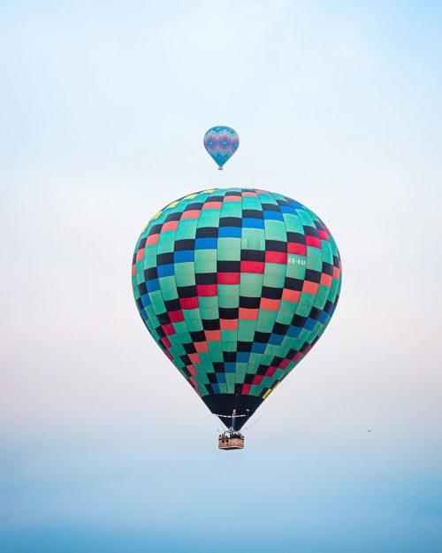 globos aerostáticos de colores